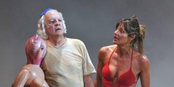 25 de Julho - Ney Latorraca - 1944 – 73 Anos em 2017 - Acontecimentos do Dia - Foto 15 - Na peça 'Entredentes', dirigida por Gerald Thomas.