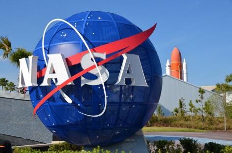 27 de Julho - 1958 – Criada a NASA por lei assinada pelo então presidente norte- americano D. Eisenhower.