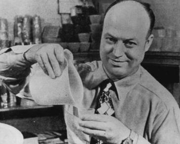 28 de Julho - 1907 – Earl Tupper, engenheiro, empresário e inventor norte-americano.