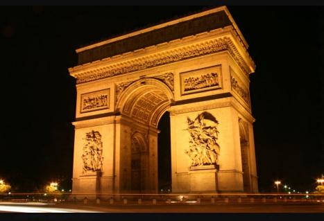 29 de Julho - 1836 — Inauguração do Arco do Triunfo em Paris. A primeira pedra foi colocada em 1806.