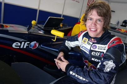 3 de Julho – Sebastian Vettel, piloto, alemão de Fórmula 1, na Formula Renault 3.5, Misano, em 2006.