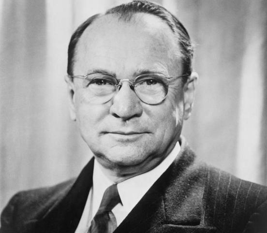 30 de Julho - 1889 – Vladimir Kosma Zworykin, físico e engenheiro eletrônico russo- americano, inventor da televisão (m. 1982).