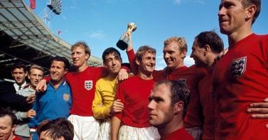 30 de Julho - 1966 – A Inglaterra derrotou a Alemanha Ocidental na prorrogação por 4 a 2 e ganhou a Copa do Mundo no estádio de Wembley, em Londres.