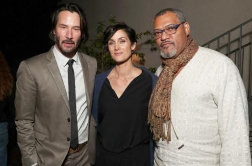 30 de Julho - Laurence Fishburne - 1961 – 56 Anos em 2017 - Acontecimentos do Dia - Foto 14 - Keanu Reeves, Carrie-Anne Moss e Laurence Fishburne.