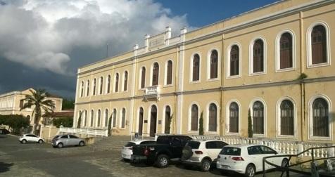 5 de Julho – Campus Betânia da Universidade Estadual Vale do Acaraú, que oferece mais de 20 cursos superiores na cidade — Sobral (CE) — 244 Anos em 2017.