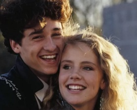 5 de Julho – Patrick Dempsey e Amanda Peterson.