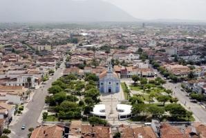 5 de Julho – Vista aérea da Igreja do Patrocínio e Museu do Eclipse — Sobral (CE) — 244 Anos em 2017.