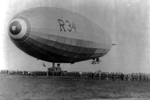 6 de Julho – 1919 – O dirigível britânico R-34 aterra em Nova Iorque, completando a primeira travessia do Atlântico.