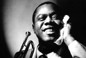 6 de Julho – 1971 – Louis Armstrong, músico estado-unidense (n. 1901).