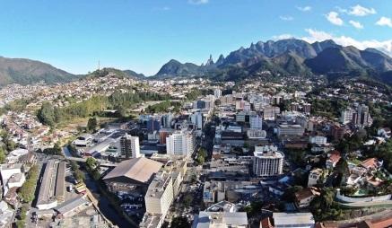 6 de Julho – Foto aérea da região central, na altura de Agriões — Teresópolis (RJ) — 126 Anos em 2017.