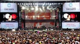 7 de Julho – 2007 — O Live Earth é realizado em diversas cidades do mundo simultaneamente.