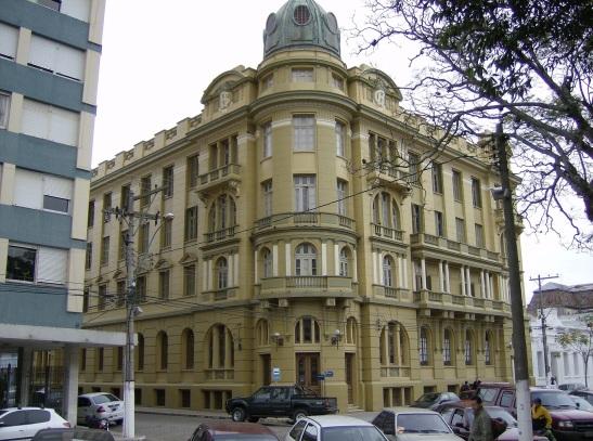 7 de Julho – Grande Hotel, prédio histórico localizado na Praça Cel. Pedro Osório — Pelotas (RS) — 205 Anos em 2017.