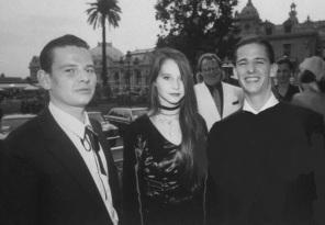 7 de Julho – Os filhos do Beatle Ringo Starr - Zak Starkey, 23, Lee Starkey, 18, e Jason Starkey, 21, no ano de 1989.