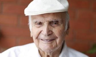 8 de Julho – 1920 – Orlando Orfei, empresário circense e domador de animais italiano (m. 2015).