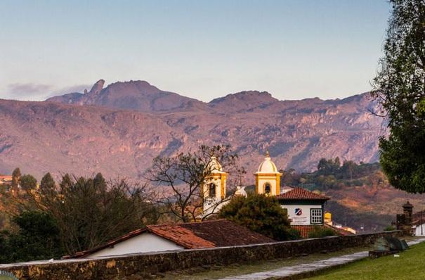 8 de Julho – Pico do Itacolomi, parte do Parque Estadual do Itacolomi — Ouro Preto (MG) — 306 Anos em 2017.