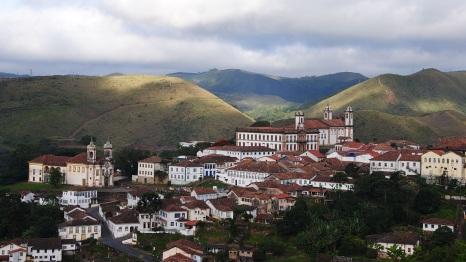 8 de Julho – Vista do alto — Ouro Preto (MG) — 306 Anos em 2017.