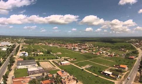 12 de Agosto – Foto aérea da cidade — Valente (BA) — 59 Anos em 2017.