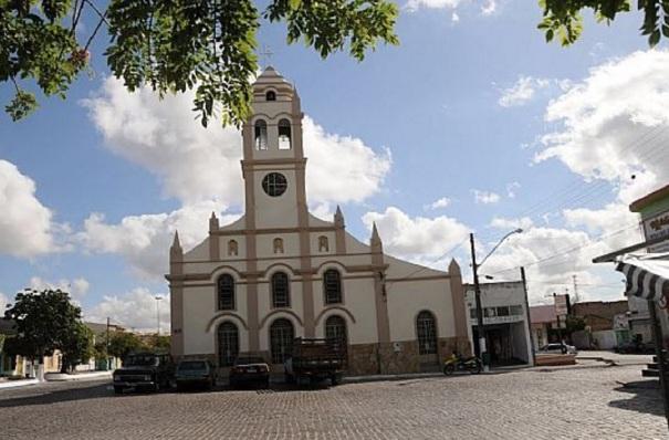 12 de Agosto – Igreja Matriz — Valente (BA) — 59 Anos em 2017.