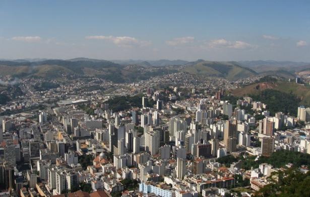 14 de Agosto – Foto aérea da cidade — Barbacena (MG) — 226 Anos em 2017.