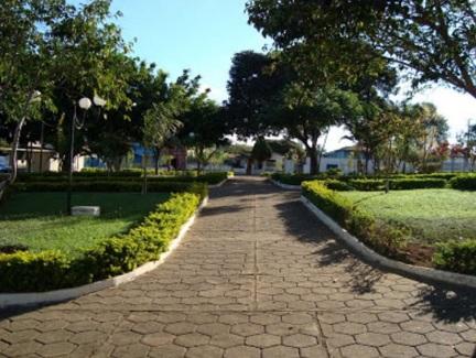 19 de Agosto – Praça 19 de Agosto - Imagem de Rafael Cintra - Vianópolis (GO) — 69 Anos em 2017.