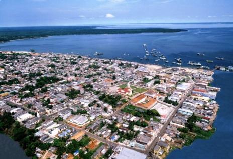 2 de Agosto – Foto aérea da cidade — Coari (AM) — 85 Anos em 2017.