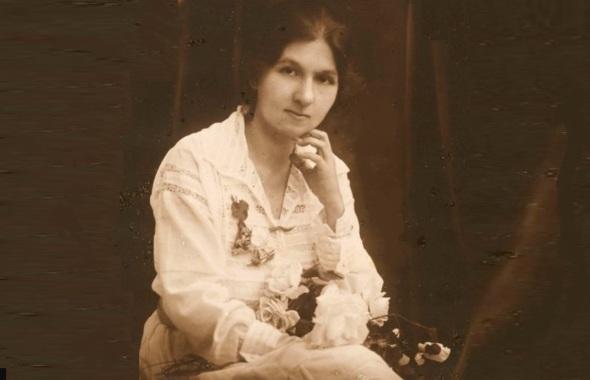 20 de Agosto – Cora Coralina - 1889 – 128 Anos em 2017 - Acontecimentos do Dia - Foto 10 - Jovem.