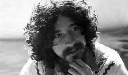 21 de Agosto — 1989 — Raul Seixas, poeta e músico brasileiro (n. 1945).