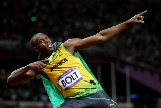 21 de Agosto — CAPA • Usain Bolt - 1986 – 31 Anos em 2017 - Acontecimentos do Dia - Foto 1.