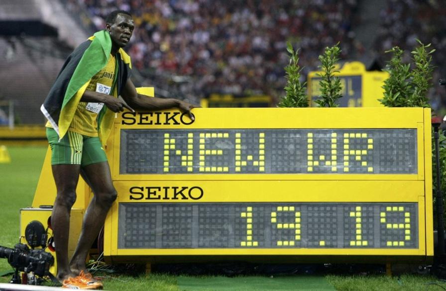 21 de Agosto — CAPA • Usain Bolt - 1986 – 31 Anos em 2017 - Acontecimentos do Dia - Foto 10 - 200m - 19,19.
