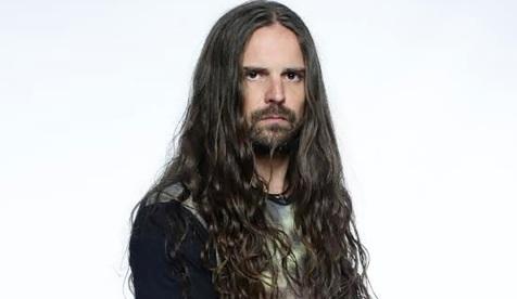24 de Agosto — 1968 - Andreas Kisser, guitarrista da banda brasileira Sepultura.