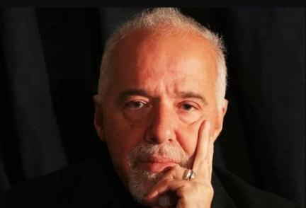 24 de Agosto — Paulo Coelho - 1947 – 70 Anos em 2017 - Acontecimentos do Dia - Foto 6.