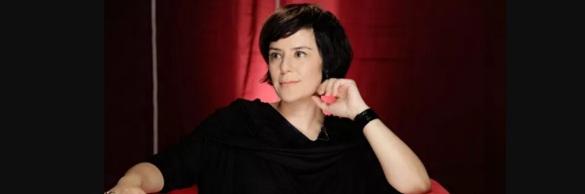 25 de Agosto — Fernanda Takai - 1971 – 46 Anos em 2017 - Acontecimentos do Dia - Foto 4.