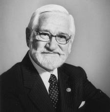 26 de Agosto — Albert Sabin - 1906 – 111 Anos em 2017 - Acontecimentos do Dia - Foto 8.