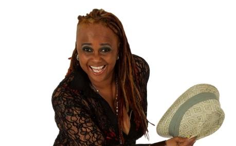 27 de Agosto — Sandra de Sá - 1955 – 62 Anos em 2017 - Acontecimentos do Dia - Foto 1.