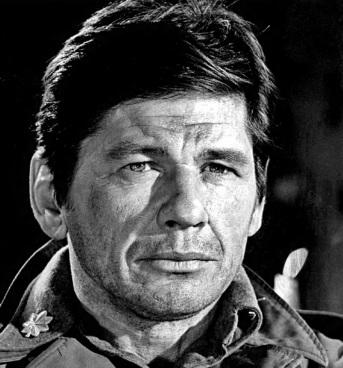 30 de Agosto — 2003 – Charles Bronson, ator estadunidense (n.1921).