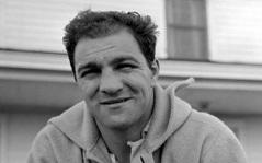 31 de Agosto — 1969 – Rocky Marciano, boxeador norte-americano (n. 1923).