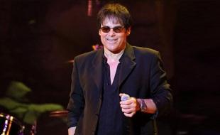 31 de Agosto — 2014 – Jimi Jamison, cantor e compositor de rock estadunidense (Survivor) (n. 1951).