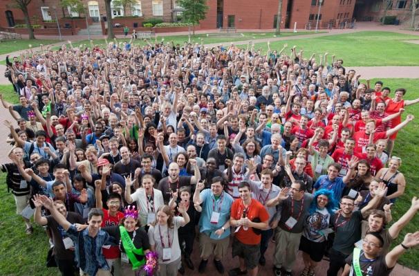 4 de Agosto – 2005 – Início da Wikimania, primeiro encontro internacional de wikipedistas, em Frankfurt (Alemanha).