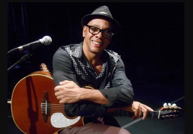 5 de Agosto – 2016 – Vander Lee, cantor e compositor brasileiro.