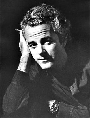 6 de Agosto – 1934 – Flávio Rangel, diretor teatral brasileiro (m. 1988).