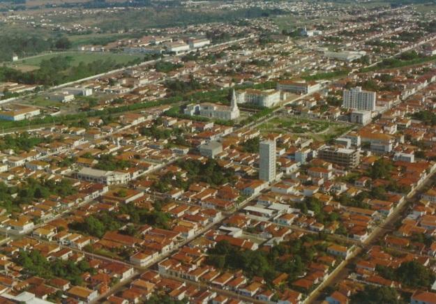6 de Agosto – Foto aérea da cidade — Pirassununga (SP) — 194 Anos em 2017.