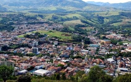 9 de Agosto – Foto aérea da cidade — Socorro (SP) — 188 Anos em 2017.