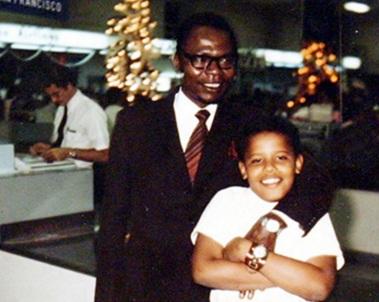 Barack Obama - 1961 – 56 Anos em 2017 - Acontecimentos do Dia - Foto 22 - Com seu pai, Barack Obama, Sr.