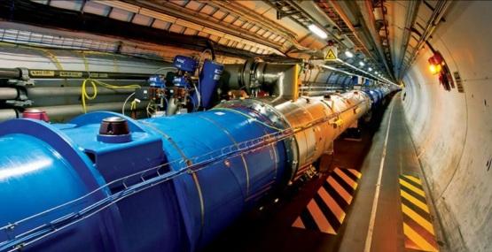 10 de Setembro – 2008 – O Grande Colisor de Hádrons entrou em funcionamento.
