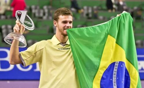 10 de Setembro – Gustavo Kuerten - Guga - 1976 – 41 Anos em 2017 - Acontecimentos do Dia - Foto 4 - O primeiro brasileiro 'Número 1' do mundo do tênis.