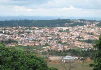 10 de Setembro – Vista panorâmica da cidade, da Rua Sebastião Vaz Nogueira — Nova Resende (MG) — 92 Anos em 2017.