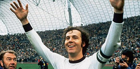 11 de Setembro – Franz Beckenbauer - 1945 – 72 Anos em 2017 - Acontecimentos do Dia - Foto 8.