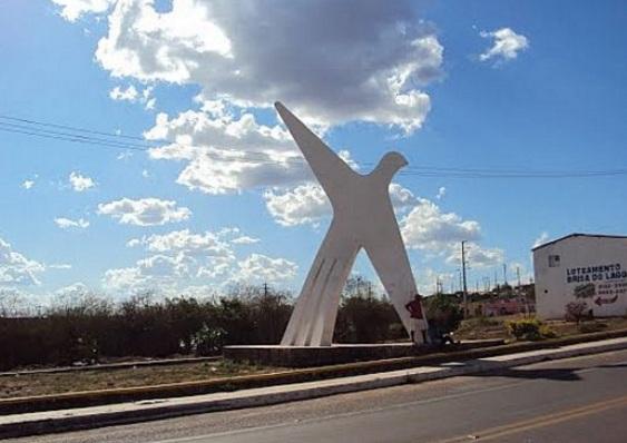 11 de Setembro – Monumento na entrada da cidade — Araripina (PE) — 89 Anos em 2017.