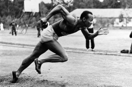 12 de Setembro – Jesse Owens - 1913 – 104 Anos em 2017 - Acontecimentos do Dia - Foto 4.