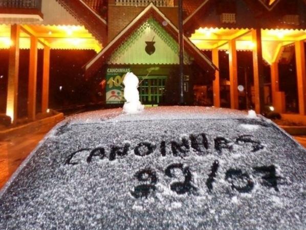 12 de Setembro – Neve marca o 22 de julho na cidade — Canoinhas (SC) — 106 Anos em 2017.